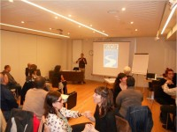 Foto de la sala donde se celebra la Reunión de Socios de Asocide-Euskadi 2013
